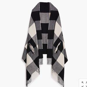 Cape scarf plaid